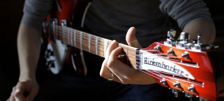 Rickenbacker electric in use